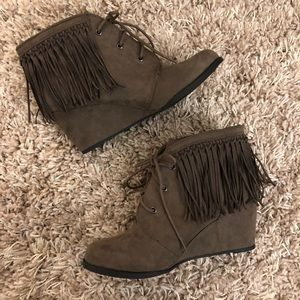 Cow girl bootie_ Sugar_ Taupe brown_size 9⭐️